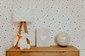 tapisserie chambre bébé décoration chambre bebe peinture ou tapisserie 76 reims