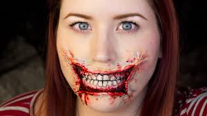 stretched lips makeup tutorial for the best halloween look