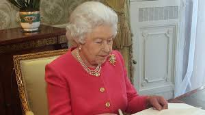 queen elizabeth frantically trying to preserve european alliances