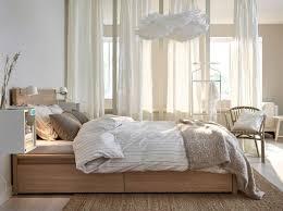 schlafzimmer mit malm bett ein schlafzimmer mit malm bettgestell hoch mit 4 schubladen
