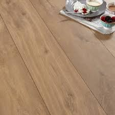 Quick Step Laminate Floors Calando Mid Natural Oak Effect Laminate Flooring 1 59 M Pack