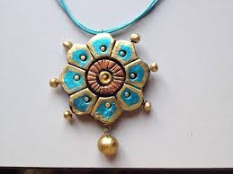 terracotta jewellery how to paint a flower pendant