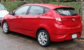 2012 hyundai accent se hatchback file 2012 hyundai accent se 01 11 2012 rear jpg wikimedia commons