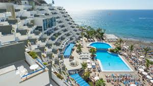 where is the best place to stay in gran canaria