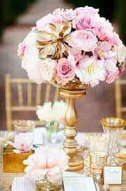 pink and gold is the perfect color combo for a baby shower so