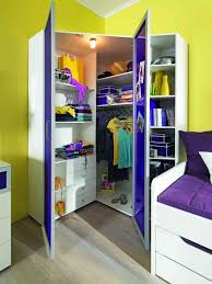 jugendzimmer begehbarer kleiderschrank gemütliche innenarchitektur jugendzimmer weiß lila begehbarer
