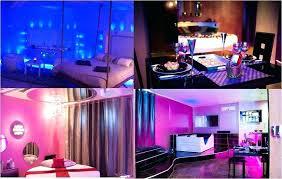 miroir plafond chambre location pour weekend en amoureux chambre