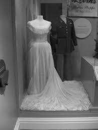 wedding dress chord rosalie hierholzer s wedding dress is made from the parachute that