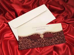 maroon velvet finish pocket wedding invitation card ba5464