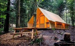 Treehouse Camping Quebec - 3 unique places to stay in the eastern townships quebec the