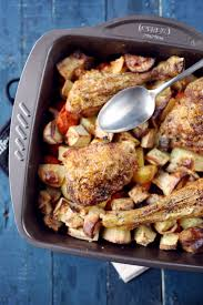 cuisiner cuisse de poulet au four cuisses de poulet et légumes variés au four chefnini