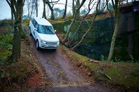 land rover experience defender land rover 4x4 off road driving and professional 4x4 training