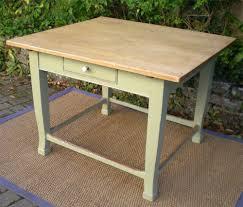 table de cuisine ancienne ancienne table billot de cuisine de forme carrée plateau hêtre
