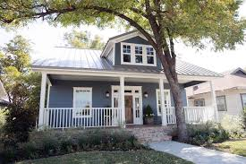 1905 craftsman fixer upper for two fearless newlyweds hgtv u0027s