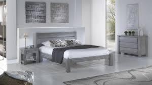 le de chevet chambre chambre avec lit chevet commode et armoire en pin massif