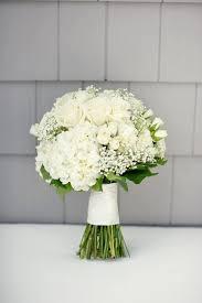 white bouquet 39 all white wedding bouquets inspiration white wedding bouquets