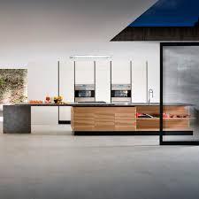 cuisine en bois frene cuisine contemporaine en bois laqué en frêne avec îlot ainoa