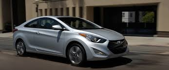hyundai elantra vs sonata 2013 2013 vs 2014 hyundai elantra what s the difference thornton