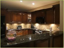 pictures of kitchen backsplashes with granite countertops cool backsplash ideas for brown granite countertops kitchen