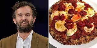 si e social michelin la pizza di carlo cracco fa infuriare i napoletani non è una vera