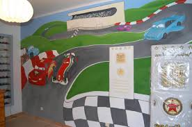 dessin chambre enfant enfant cars dessin sur mur