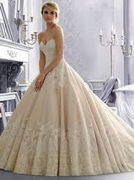 wedding dress finder 8 guidelines for selecting an wedding dress wedding