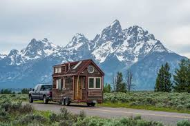 tiny house weight how to calculate and weigh a tiny home for towing