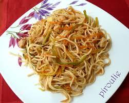 cuisiner des pates chinoises nouilles asiatiques 2 versions végétariennes ou au poulet