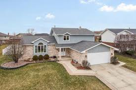 320 homes for sale in tinley park il on movoto see 59 031 il real