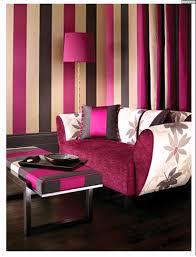 Dekoideen Wohnzimmer Lila Wandgestaltung Beispiele Streifen Lila Ruhbaz Com