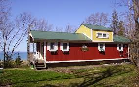 Vacation Tiny House Caboose Style Cottage Tiny House Vacations Tiny Homes