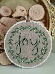 embroidered christmas best 25 christmas embroidery ideas on stitching