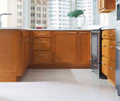light oak shaker kitchen cabinets shaker style kitchen aristokraft cabinetry