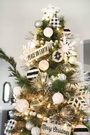 how to decorate tree hgtvs decorating design