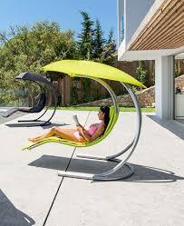 canapé suspendu fauteuil suspendu en 10 idées canon pour l extérieur pour