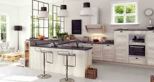 cuisine en coin cuisine en u avec table find this pin and more on by with