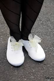 ribbon shoe laces american apparel shoes with ribbon laces tokyo fashion news