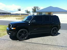 jeep patriot nerf bars glossifying my lights and plasti dipping and glossifying my
