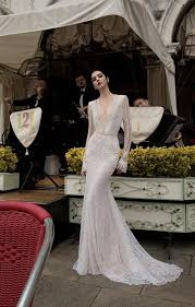 15 Plunging Neckline Wedding Dresses Mywedding