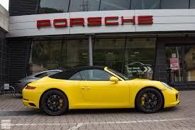 Porsche Macan Yellow - the four porsches in twelve days road trip