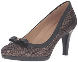amazon com naturalizer women u0027s maize spectator pump shoes