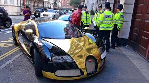 golden bugatti gold bugatti veyron gets stopped by police youtube