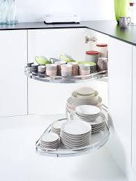 cuisine plus le mans meuble d angle cuisine moderne et rangements rotatifs en 35 photos