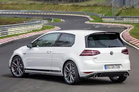 volkswagen ads 2016 watch the vw golf gti clubsport s amazing 7 49 29 nürburgring lap