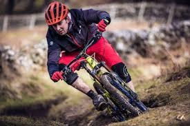 mtb jackets endura keeps you dry on wet singletrack with new mtb rain jacket
