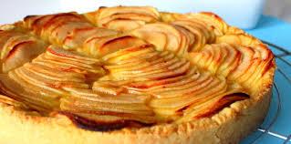 cuisine tarte aux pommes tarte aux pommes crème et frangipane pas cher recette sur