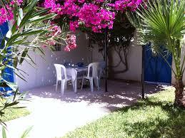 decoration jardin marocain djerba midoun belle villa au décor raffiné avec jardin fleuri et