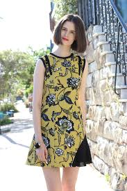 cue dress cue clothing passionflower crepe floral print dress in paddington
