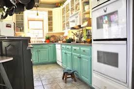 eye for design decorate your kitchen with two tone cabinets