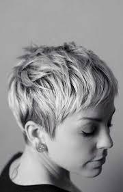 frisuren hairstyles on pinterest pixie cuts short diese ultrakurzen frisuren sehen stark aus hast du den mut dazu